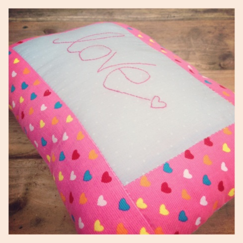 pink love cushion1